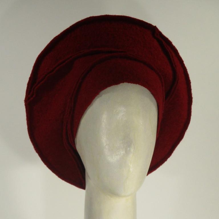 Kopfbedeckung - warm Watteau Wollboucle - rot