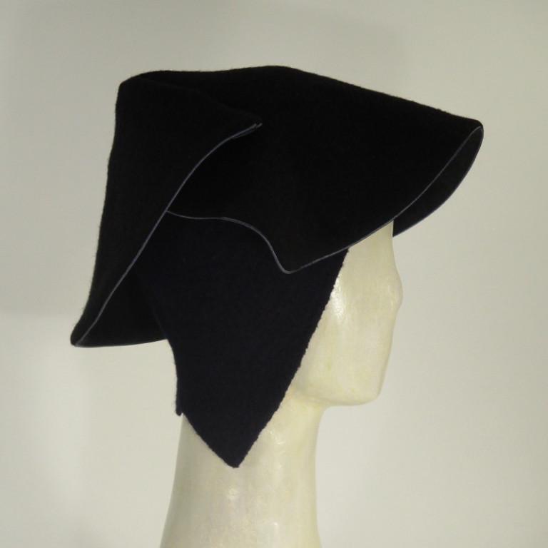 Kopfbedeckung - eleganter Hut