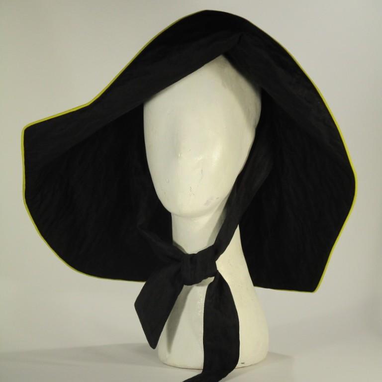 Kopfbedeckung - Regenhut - große Form