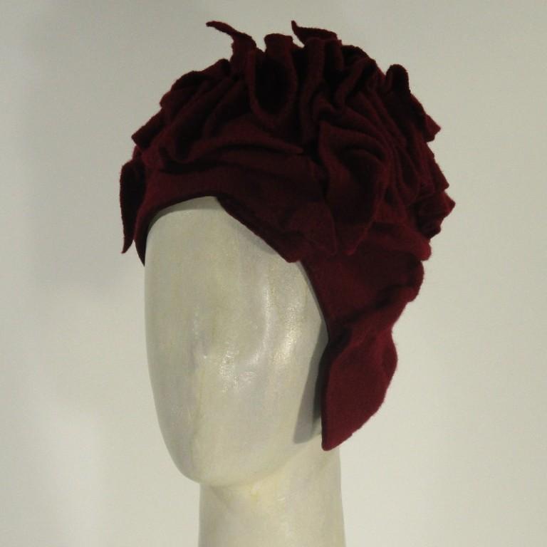 Kopfbedeckung - warm Wollboucle Chloche - rot