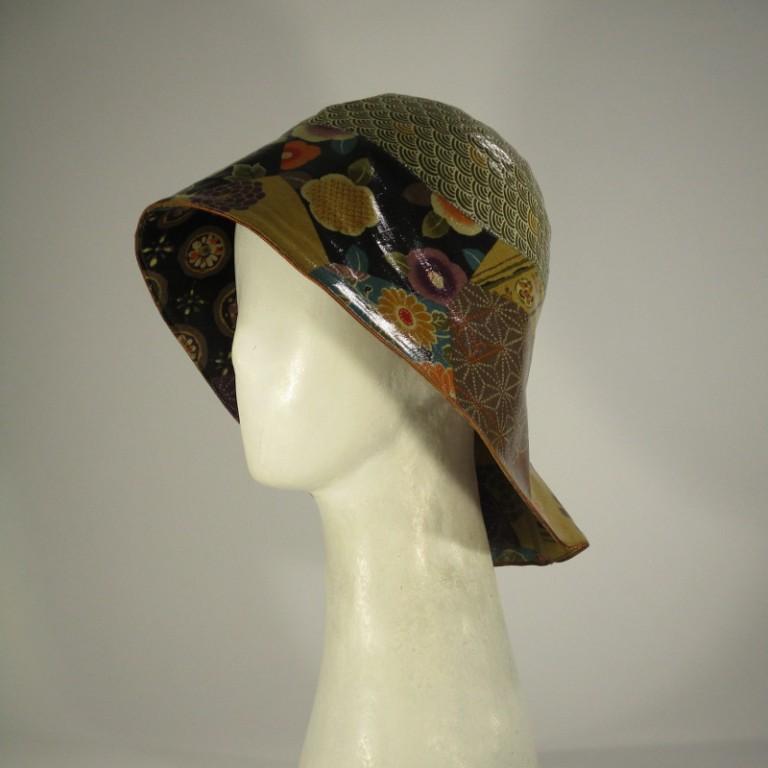 Kopfbedeckung - Regenhut - warme Farben