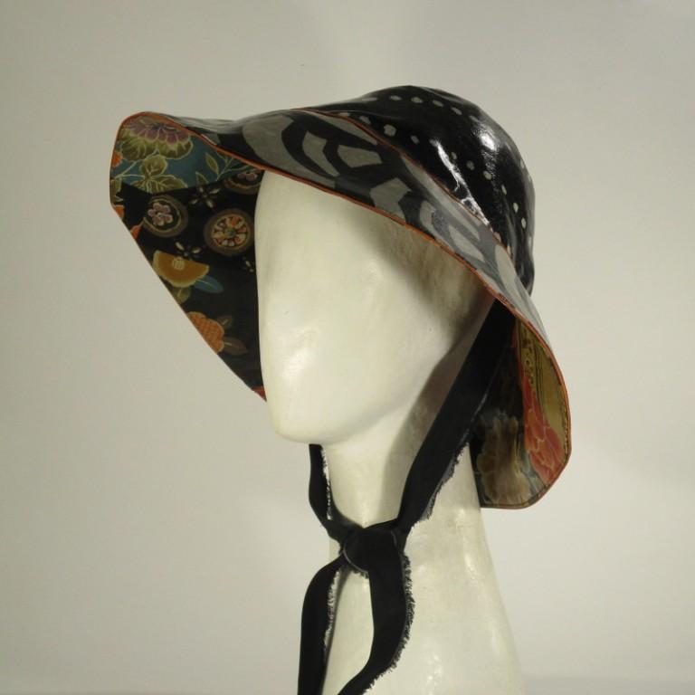 Kopfbedeckung - Regenhut - Blumen dunkelbunt