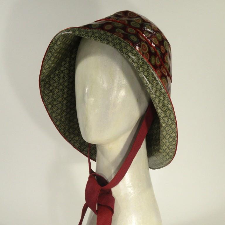 Kopfbedeckung - Regenhut - graugrün mit rot