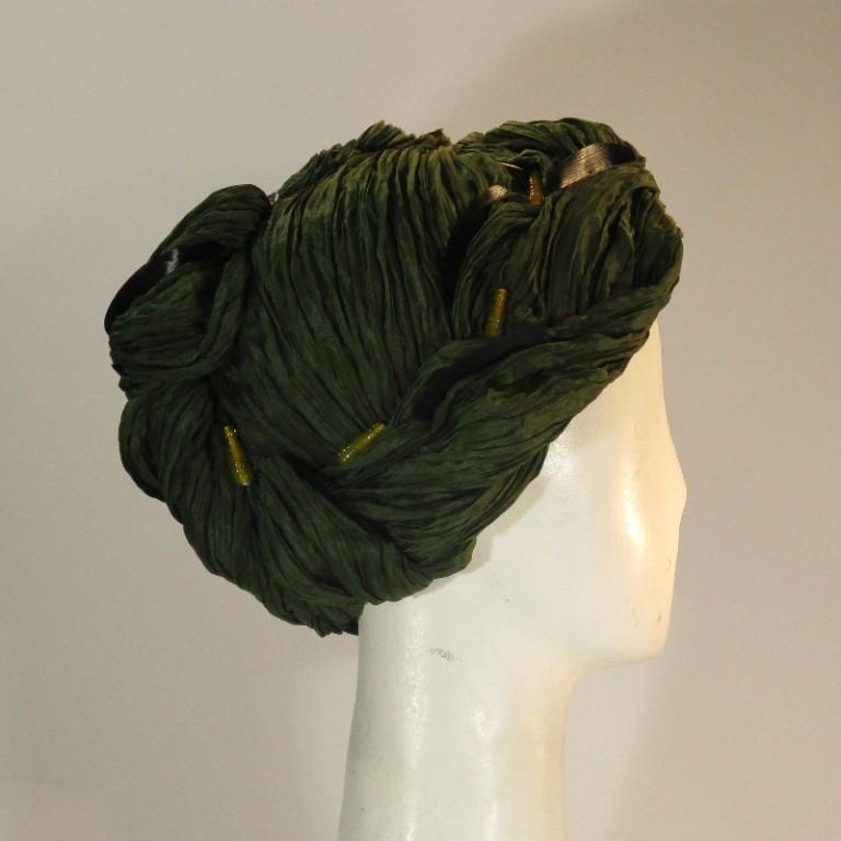 Kopfbedeckung - Plisseefrisur - reine Seide