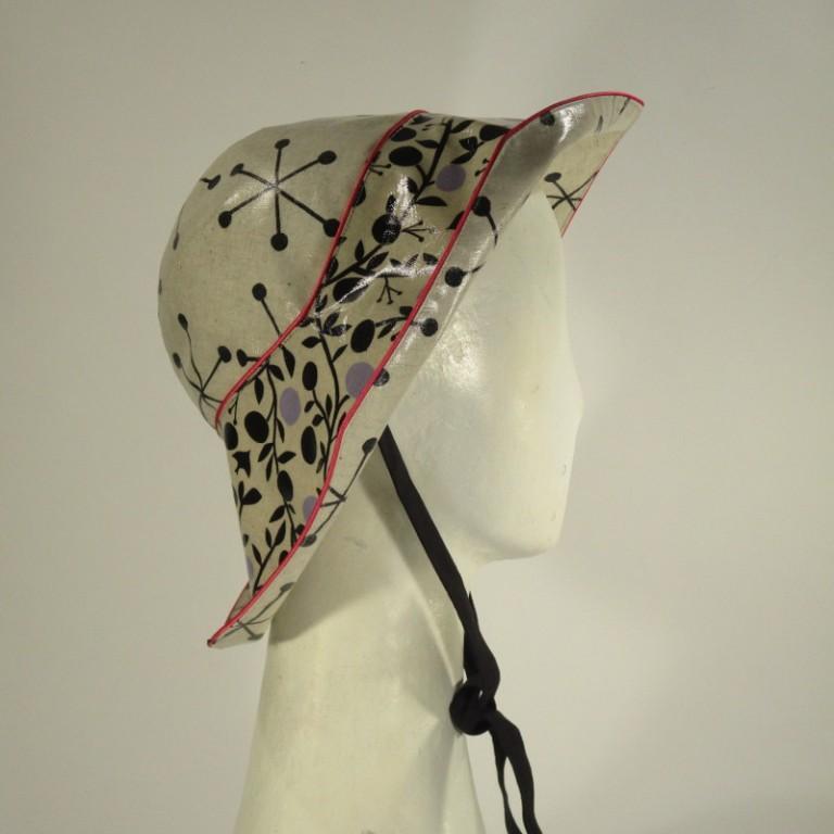 Kopfbedeckung - Regenhut - hell