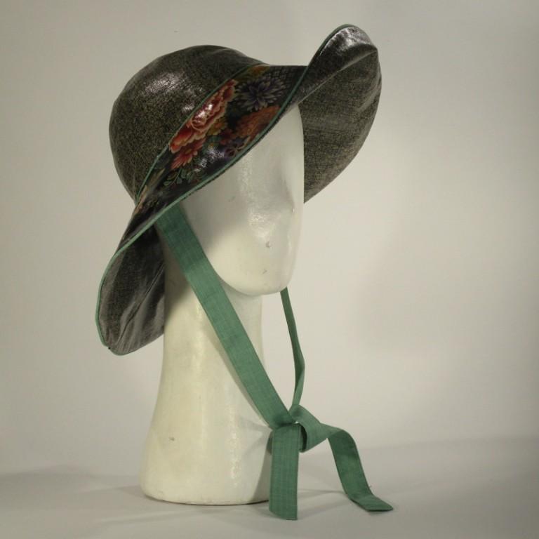 Kopfbedeckung - Regenhut - Chrysanthemen