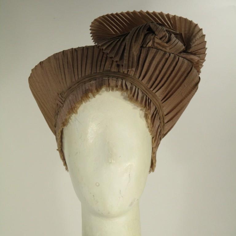 Kopfbedeckung - festlicher Toque - Plissee altrose